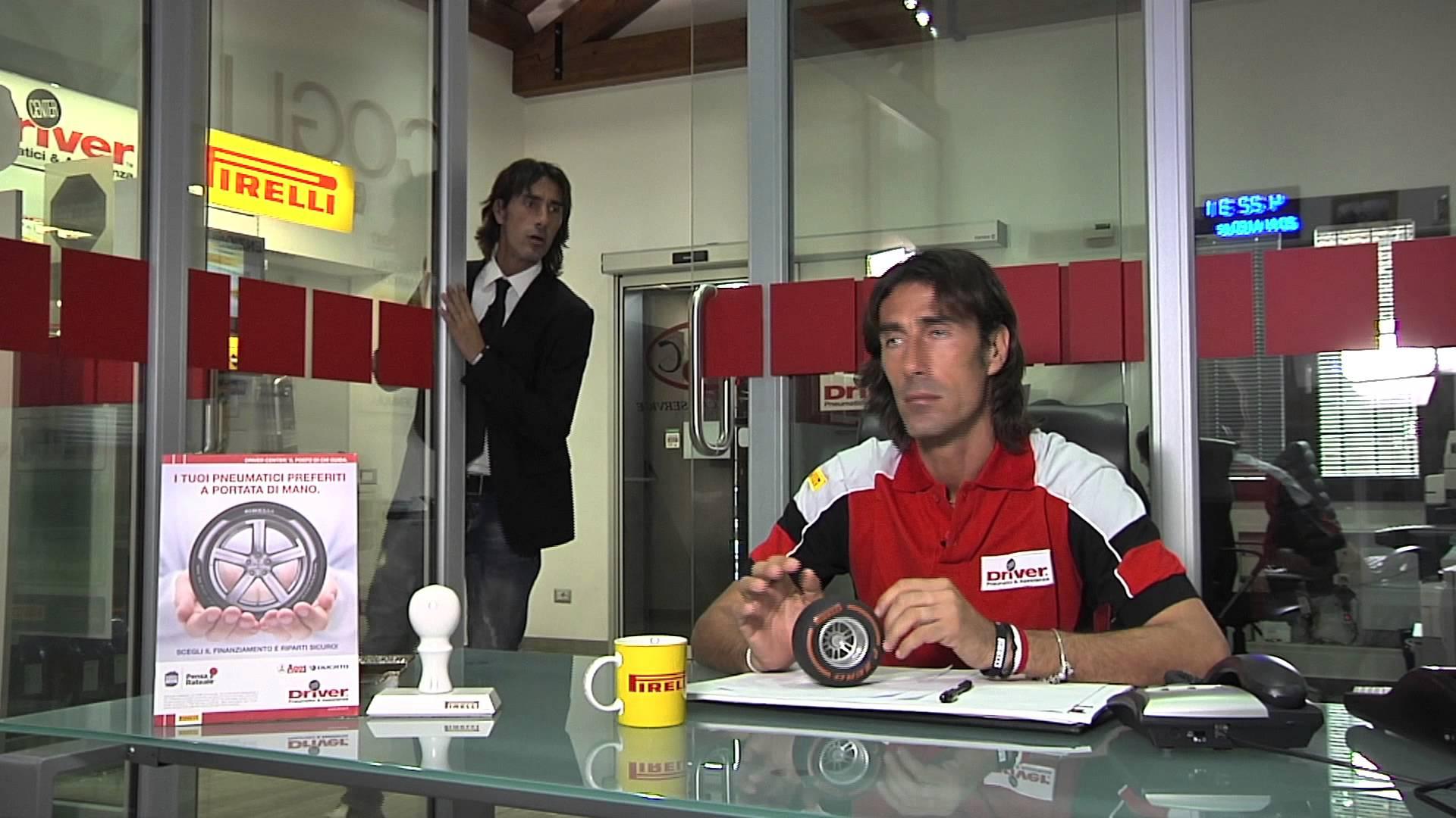 DELVECCHIO INCONTRA I TIFOSI AL DRIVER CENTER DI ROMA!